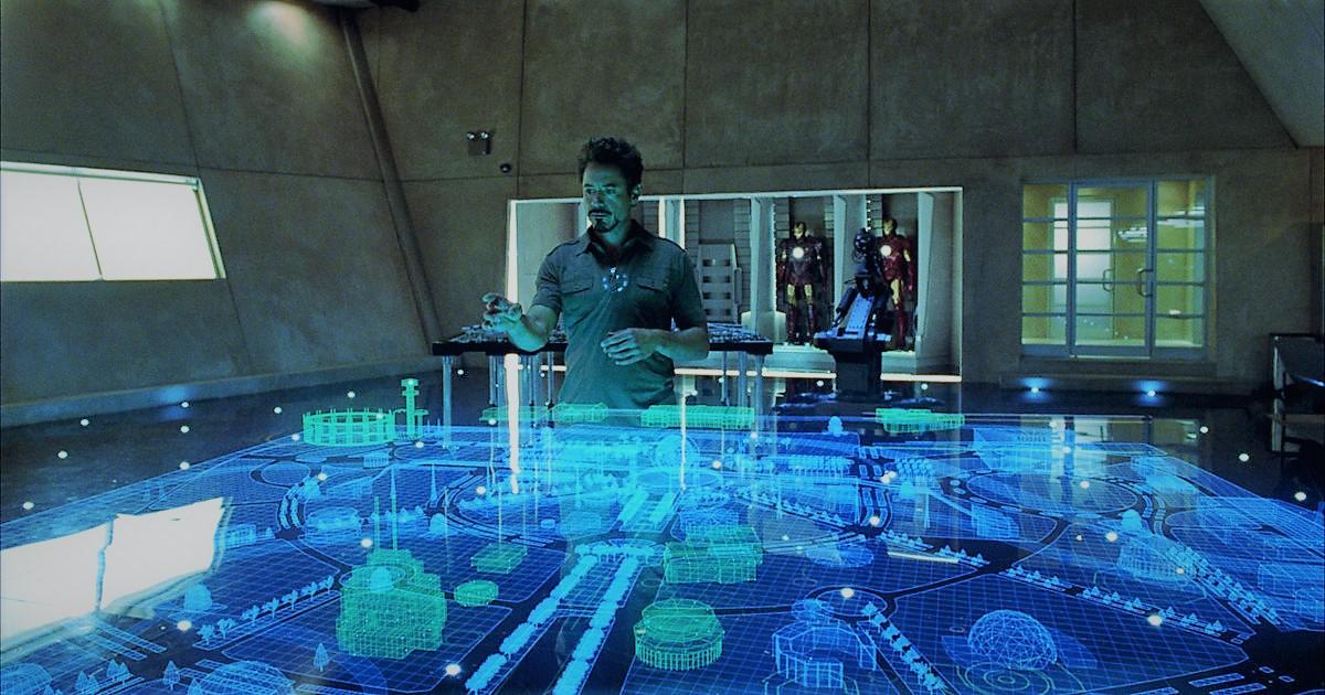 Iron-man che visualizza in realtà aumentata un piantina